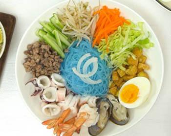 Cach Lam Miến Hoa đậu Biếc Trộn Hải Sản Kiểu Thai